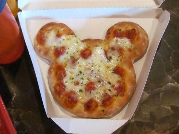 Disneyland Paris - Euro Disney - Mickey Mouse Pizza