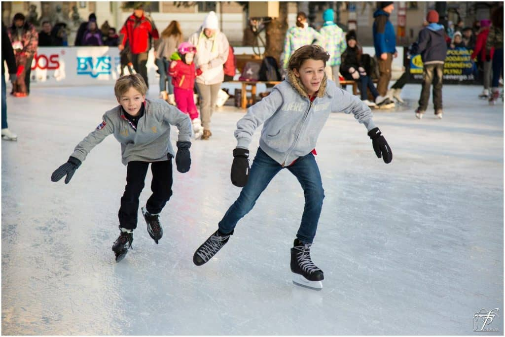 בודפשט עם ילדים בחורף - החלקה על הקרח