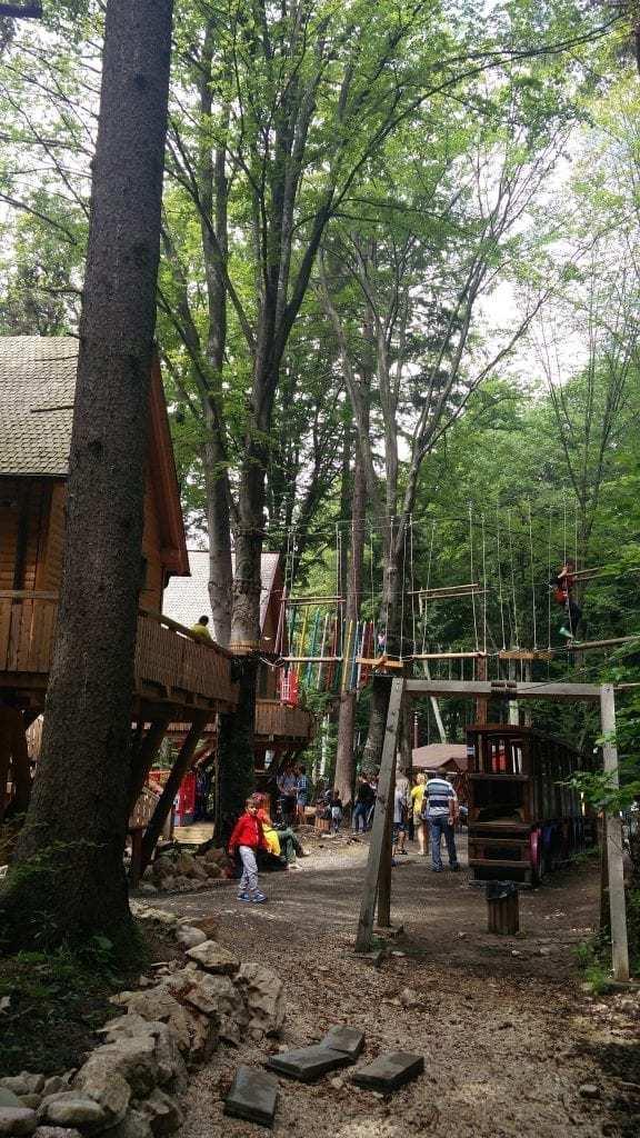 טיול לרומניה עם ילדים - דינו פארק בראסנוב