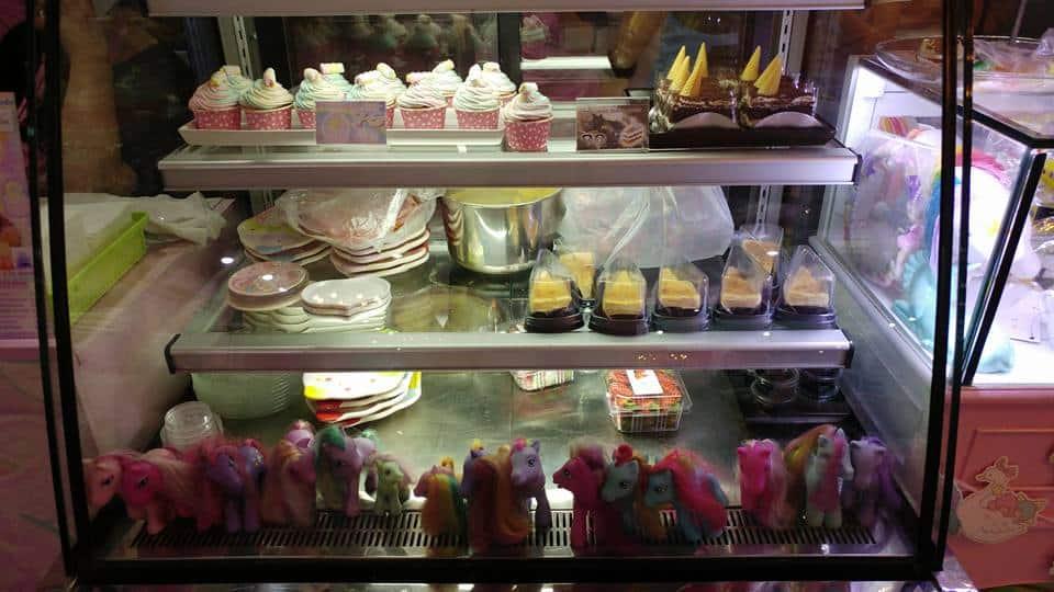 בנגקוק עם ילדים - בית קפה חדי קרן - Unicorn Cafe - בר הקינוחים