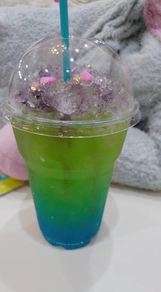בנגקוק עם ילדים - בית קפה חדי קרן - Unicorn Cafe - שתייה קוסמית
