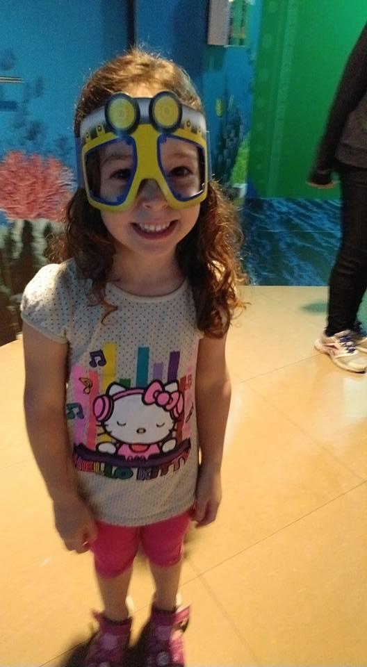 בנגקוק עם ילדים - משקפיים מיוחדות באקווריום