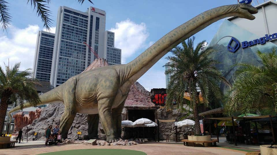 בנגקוק עם ילדים - עולם הדינוזאורים - מוצאים אותנו?