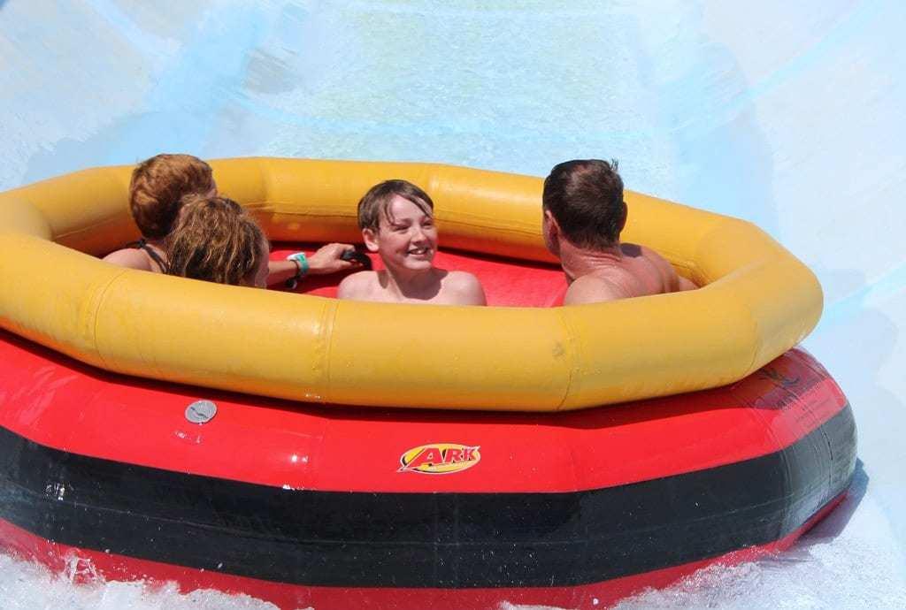 פאפוס עם ילדים - פארק המים אפרודיטה
