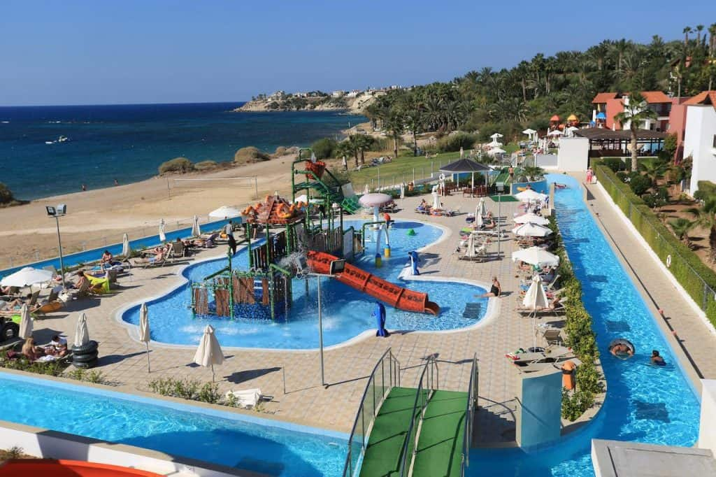 פאפוס עם ילדים -Aqua Sol Water Park Resort