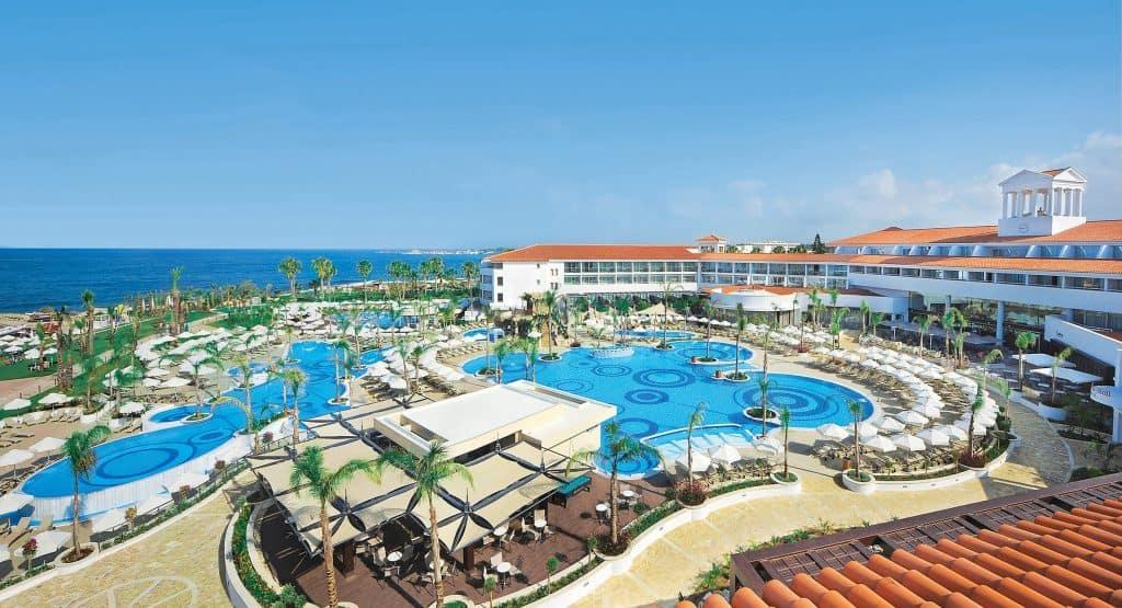 מלונות בפאפוס למשפחות עם ילדים - Olympic Lagoon Resort Paphos