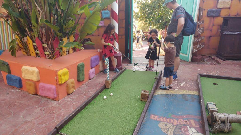 מלטה עם ילדים - כפר פופאיי - מיניגולף