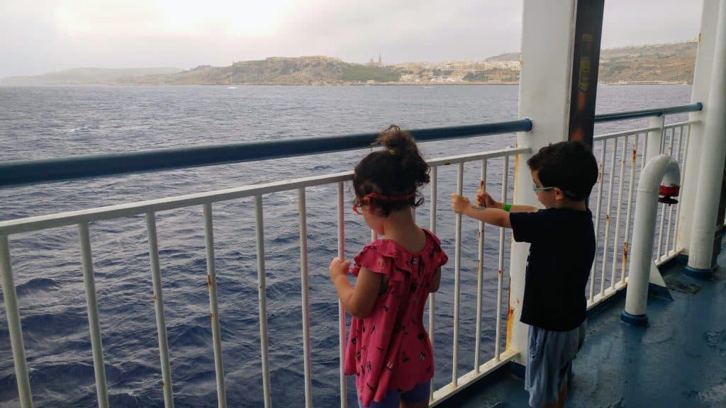 מלטה עם ילדים - השייט לגוזו