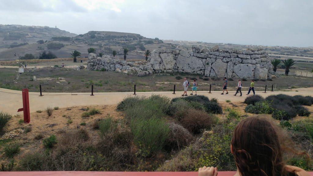 מלטה עם ילדים - גוזו - מקדשי Ggantija