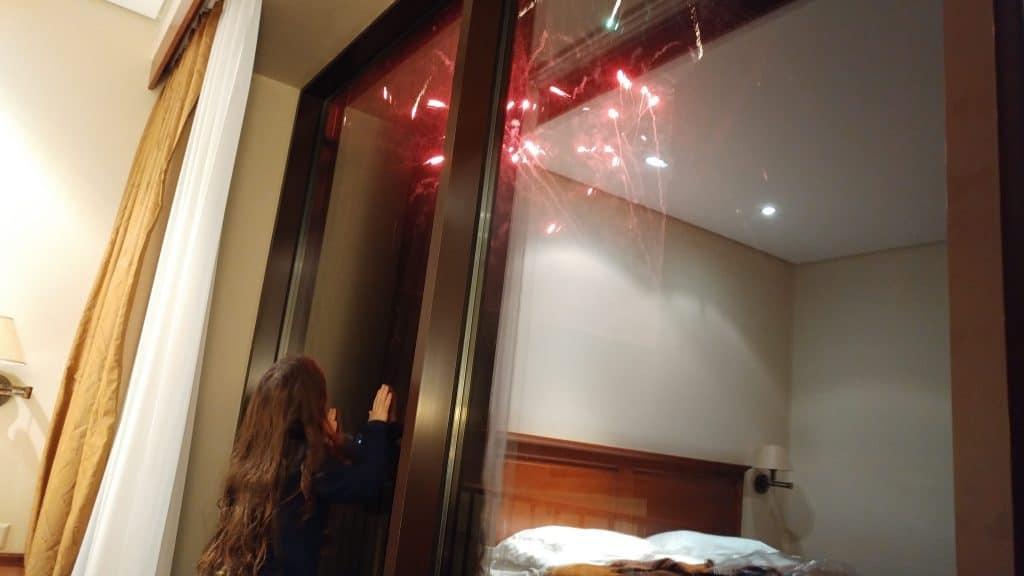 ליטא עם ילדים - זיקוקים ממלון Daugirdas
