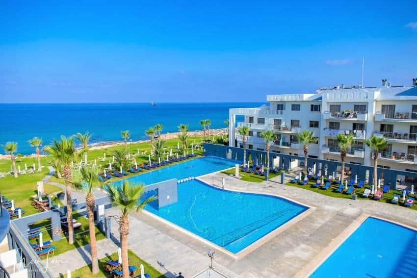 מלונות כשרים בקפריסין - Blue Lagoon Hotel & Spa