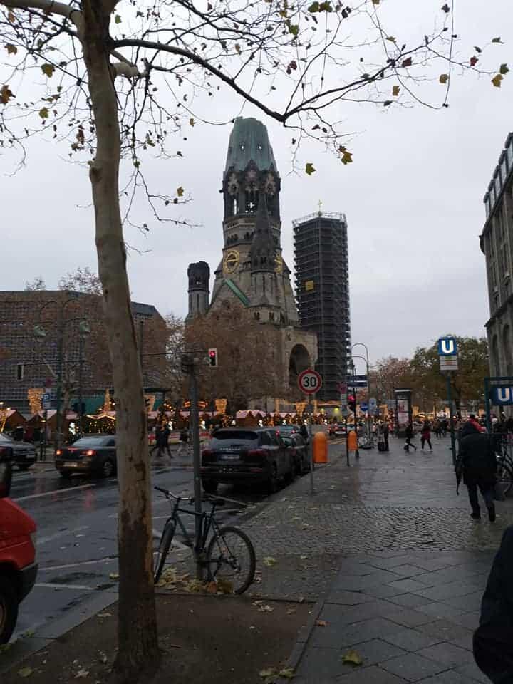 ברלין עם ילדים בכריסמס - הכנסיה השבורה