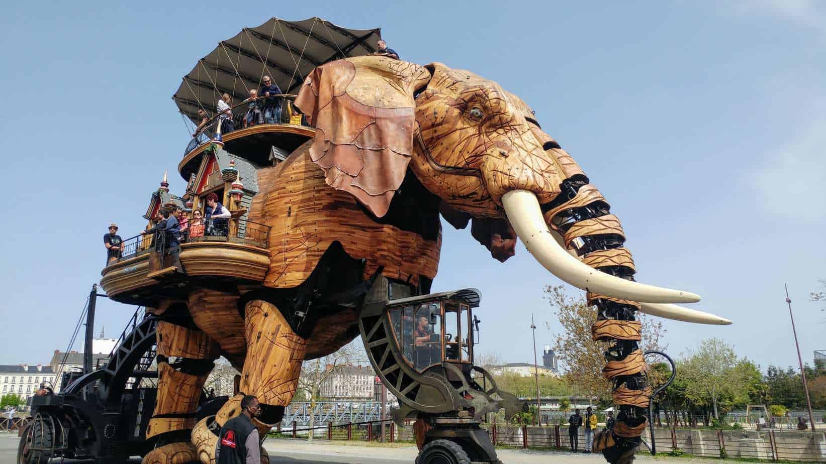 עמק הלואר עם ילדים - הפיל המכאני בנאנט Nantes