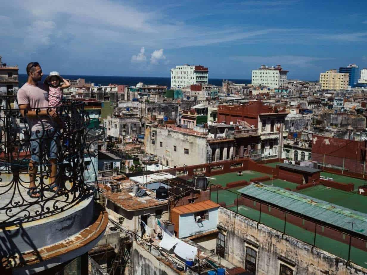 קובה עם ילדים - מסעדת La Guarida בהוואנה