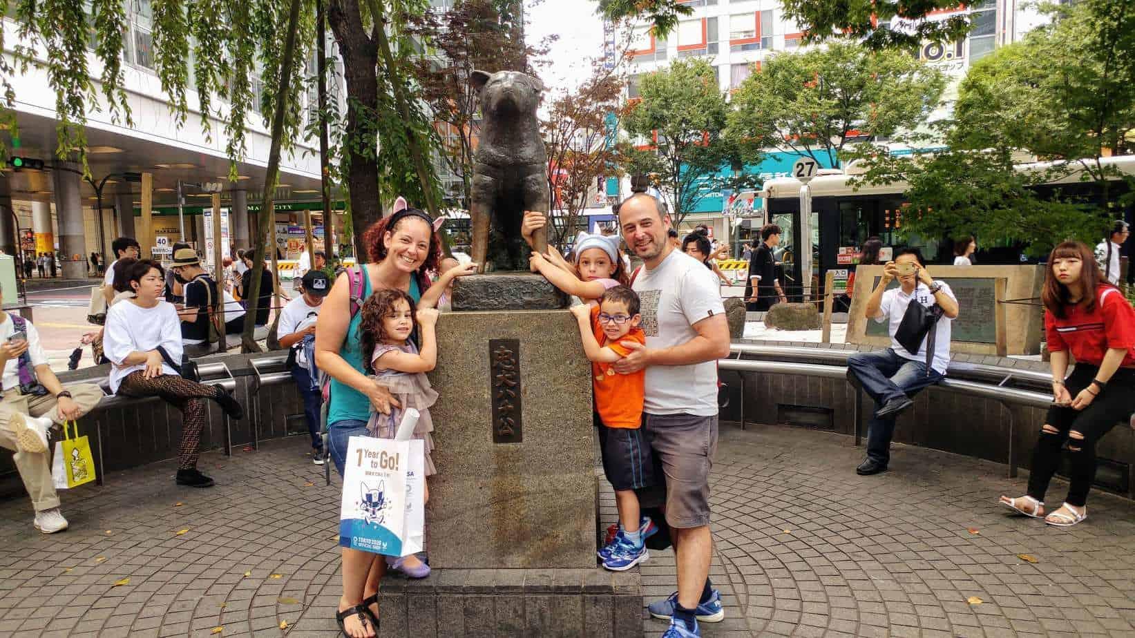 טוקיו עם ילדים - פסל הכלב האצ׳יקו Hachiko