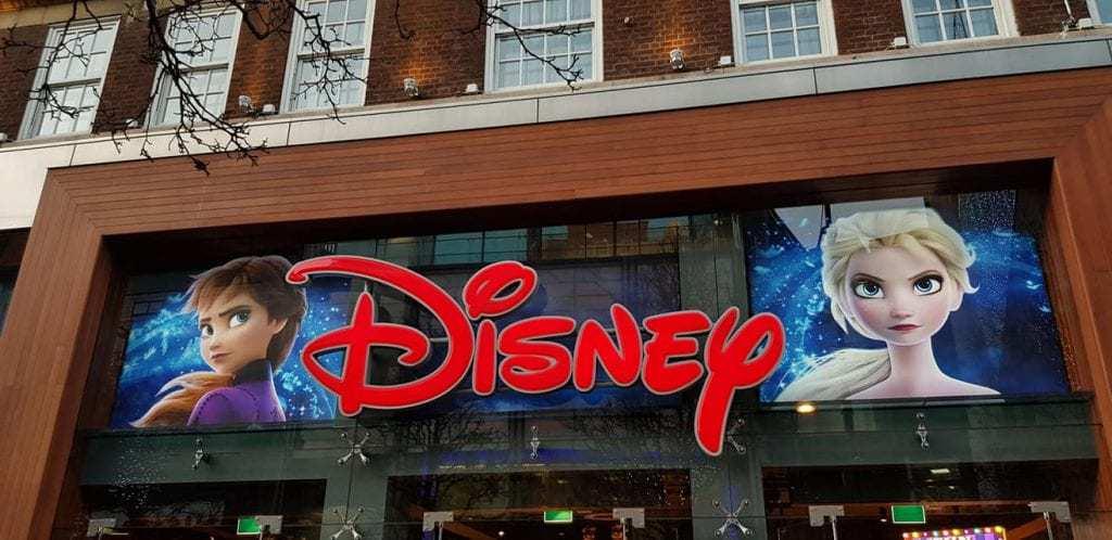 חג המולד בלונדון עם ילדים - Disney store