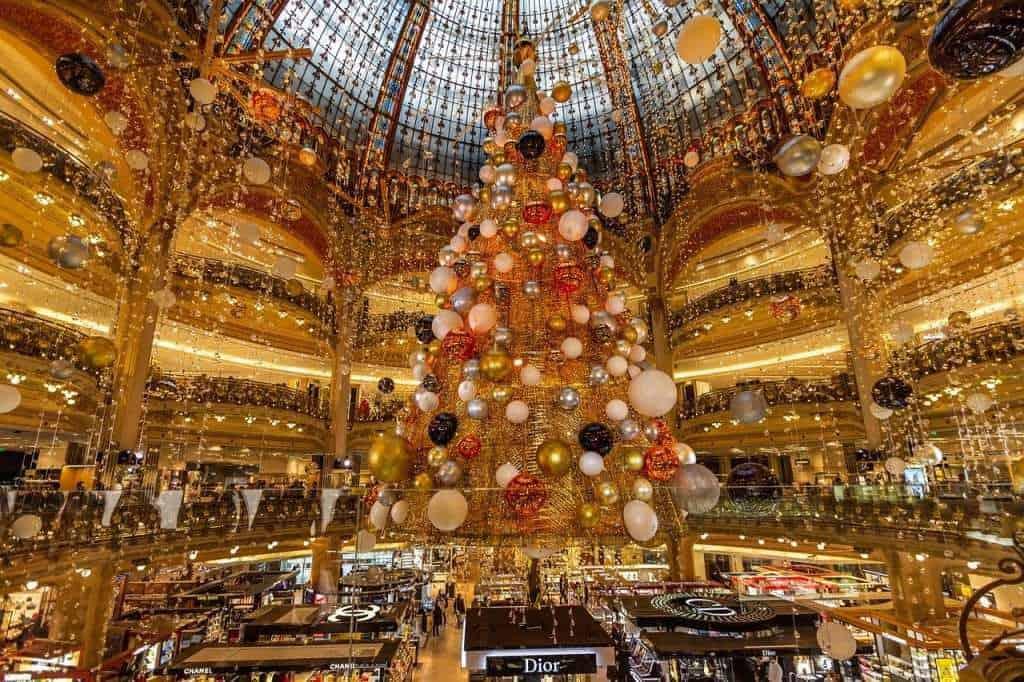 שוק חג המולד בפריז