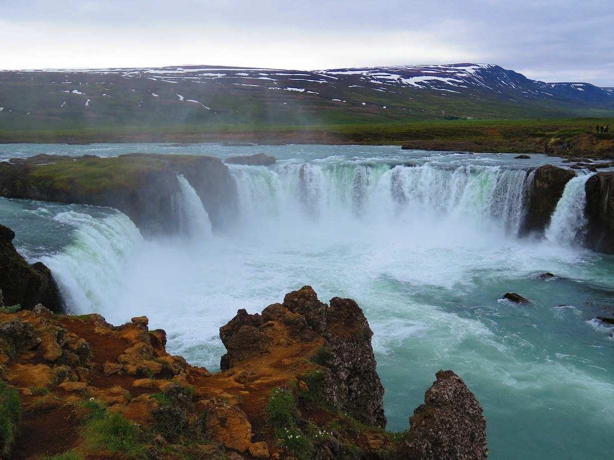 איסלנד למשפחות עם ילדים - מפל Godafoss