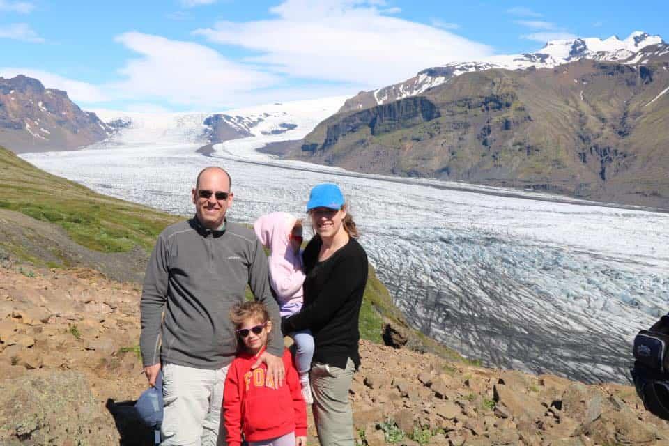 איסלנד למשפחות עם ילדים - קרחון Sjonarnipa