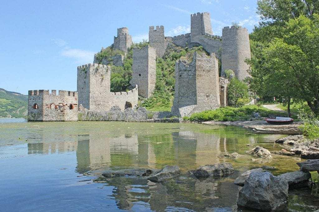 סרביה למשפחות עם ילדים - ארמון Golubac